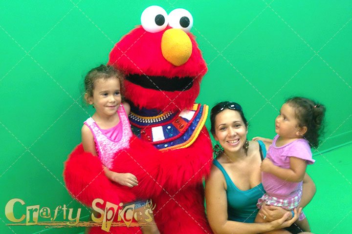 Pictures with Elmo at Busch Gardens