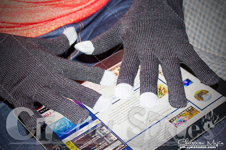 Texting Gloves for Smartphone & Touchscreen