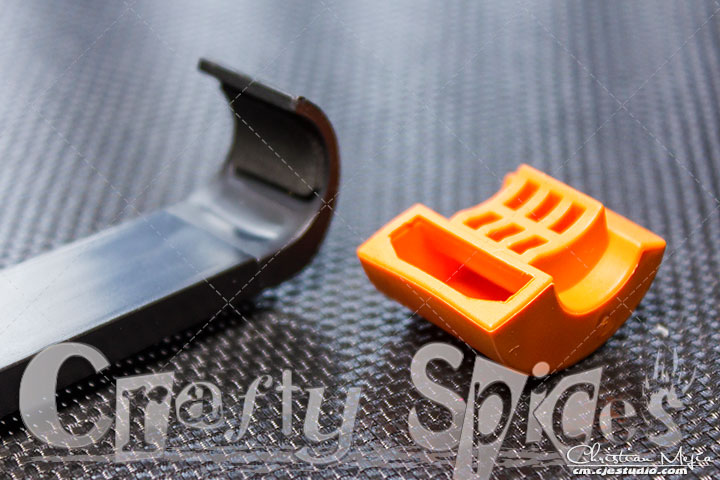 CELFIE Stick - additional orange gasket to secure phone