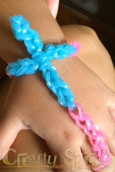 7200 Band MEGA Loom Band - One of our Cross bracelet