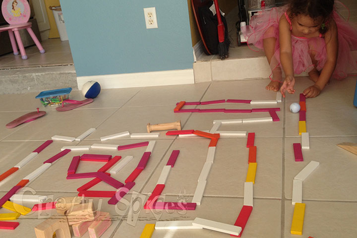 3 Year Old Solving the Maze